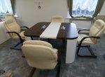 Стол переговоров в кабинет руководителя. МДФ натуральный шпон, МДФ окрашенный глянец, опоры стола гнутый МДФ